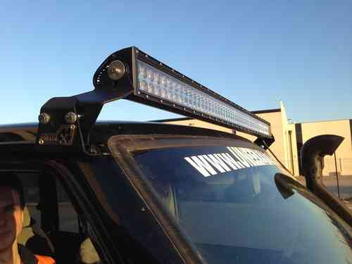Uneek 4x4 GQ 50in LED light bar mounts Gutter Mount